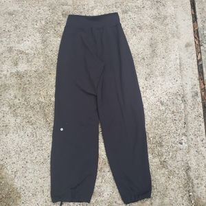 Lululemon Athletica Black Yoga Pants Size 6